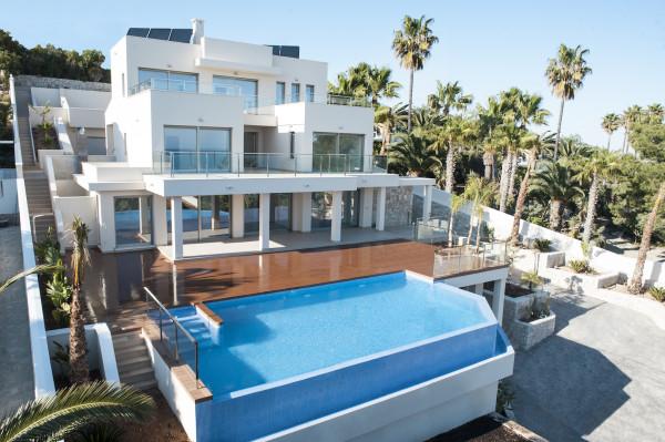 Moderna Villa En Moraira
