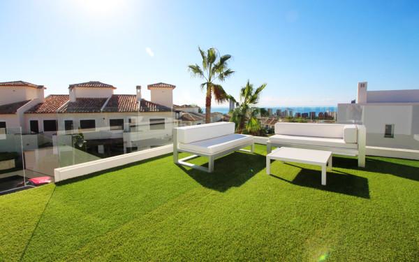 Nuevas Villas De Tres Dormitorios Con Vistas Al Mar