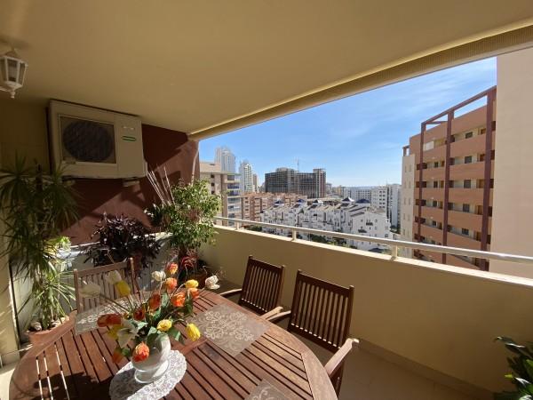 Amplio Apartamento De Dos Dormitorios Cerca De La Playa De Arena