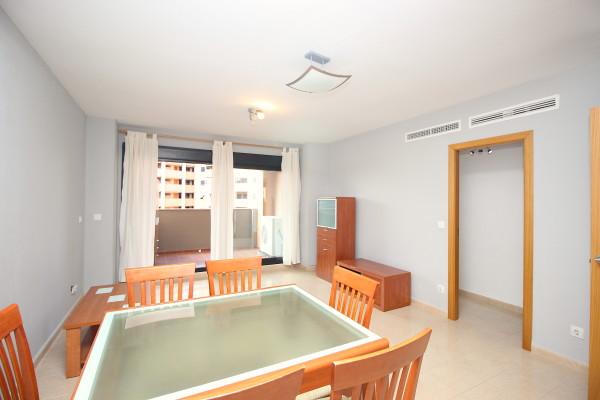 Apartamentos Con Dos Dormitorios Cerca De La Playa De Arena