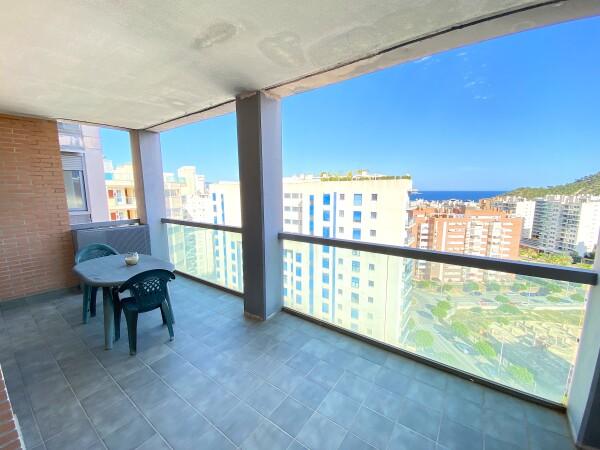 Amplio Apartamento Con Dos Dormitorios Cerca De La Playa