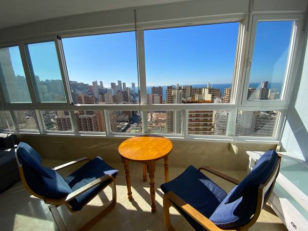 Apartamento Con Dos Dormitorios Y Vistas Al Mar